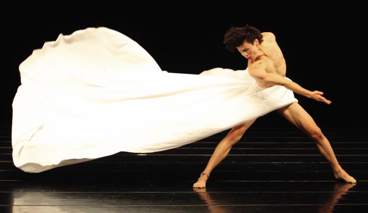 01 - Altamira Dance Company - Generations Magazine - June 2013